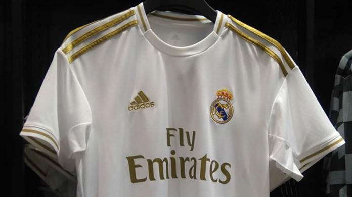new styles 5faf7 0f646 Leaked: New picture of Real Madrid white/gold 2019/2020 home ...