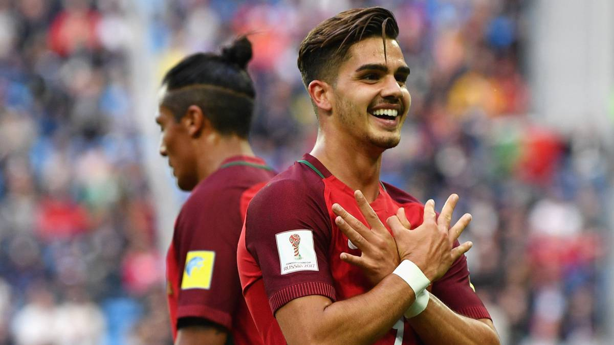 Napoli join Andre Silva race