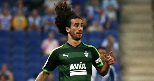 Warum hat Cucurella die Chance, in der nächsten Saison Albas Backup zu werden?