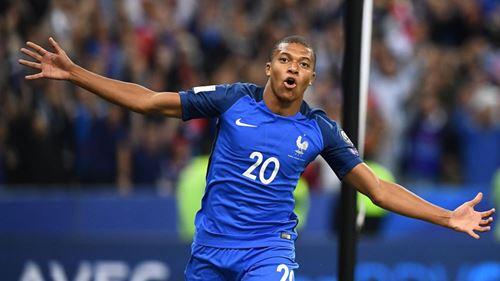 PENSEES NOCTURNES: Kylian Mbappé peut-il devenir le meilleur buteur de l'histoire de l'Equipe de France?
